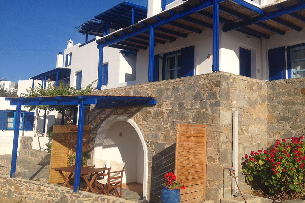 Classic rooms for rent at Serifos