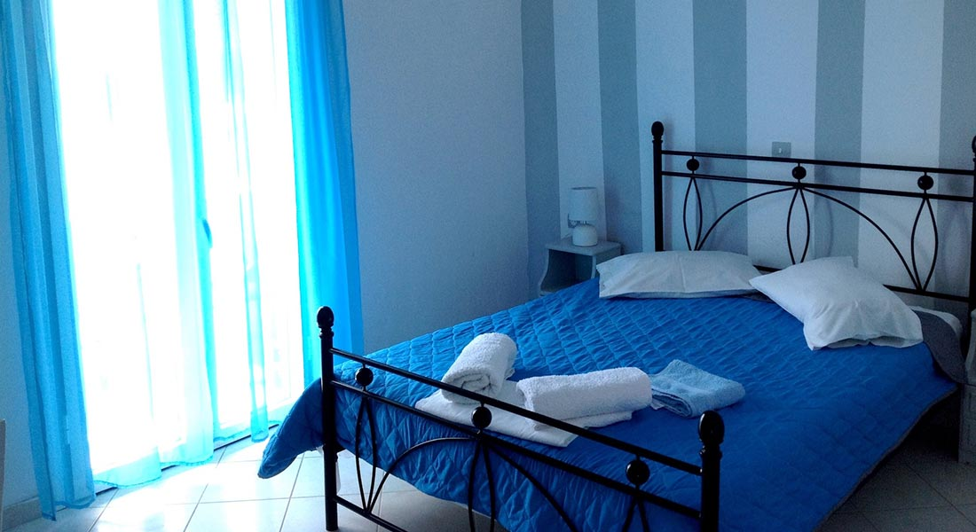 Basic rooms for rent at Serifos