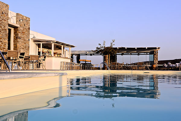 rizes hotel in serifos