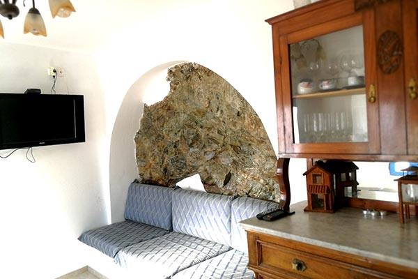 Caliope's house for rent in serifos