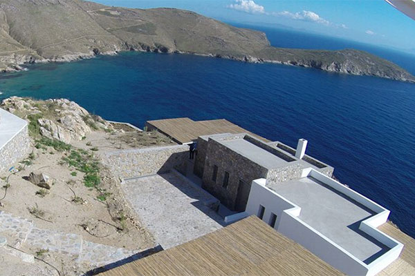 Nest of Kalo Abeli, Villa in serifos